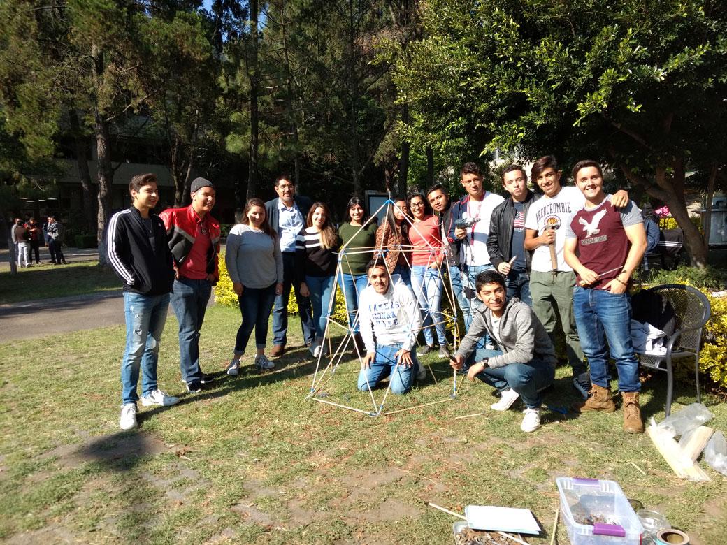 Práctica de estructuras espaciales por estudiantes de 2° semestre de ...