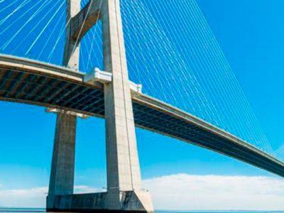 Las vías de comunicación, un puente arquitectónico actual, 114KB, los puentes en la arqiutectura